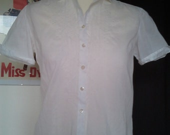LOWER PRICE Cute little white cotton shirt blouse 1950 S Xs