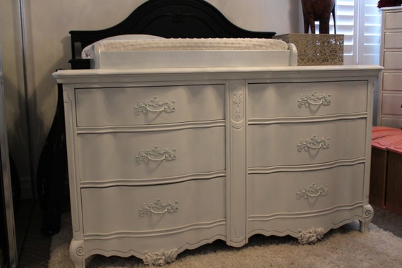 Vintage Bassett White 6 Drawer French Provincial By