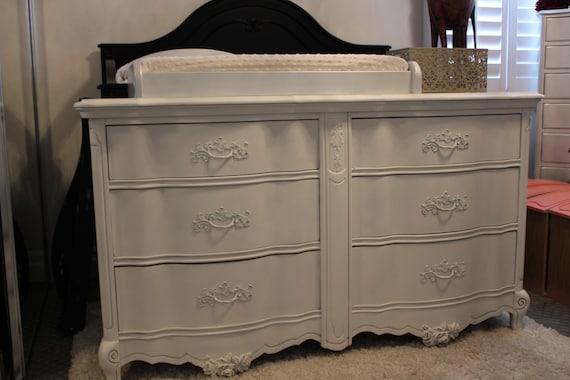 Vintage Bassett White 6 Drawer French Provincial Dresser