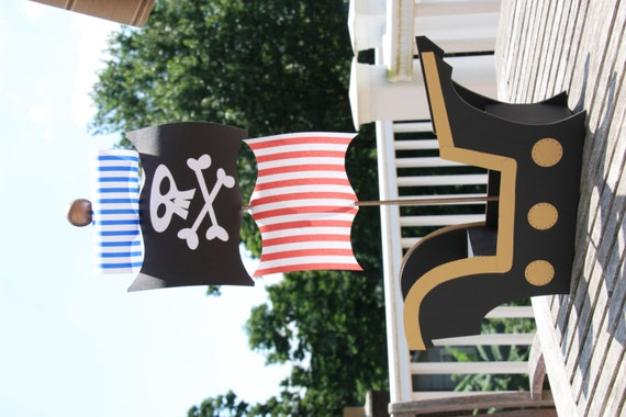 Black & Gold Pirate Ship Centerpiece or Cake Pop Display