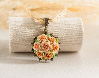 beige rose flowers necklace ,flowers necklace, vintage style