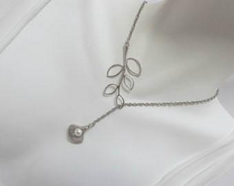 cala lily branch necklace , branch lily lariat , lily bridesmaid necklace , silver cala lily necklace , flower leaf necklace