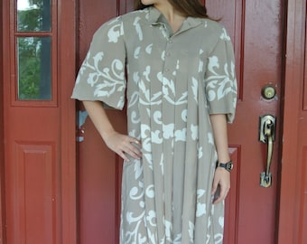Parisian Bohemian Chic Silk Dress by Pauline Trigere French Designer 1980s Taupe Beige with Ivory Tulips Print/ XS/ S