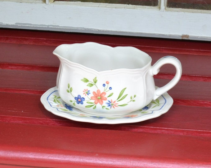 DEAL OF WEEK Vintage Gravy Boat with Plate Country French Ironstone Made in Japan PanchosPorch