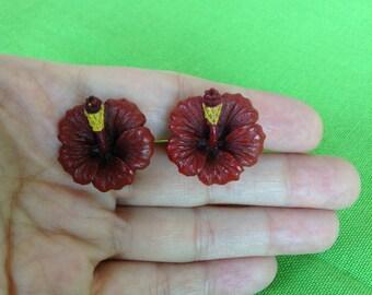 Vintage Flower Screw Back Earrings (Item 669)