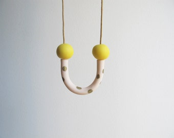 Smile necklace with dots