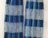 Blue beaded crochet echarpe