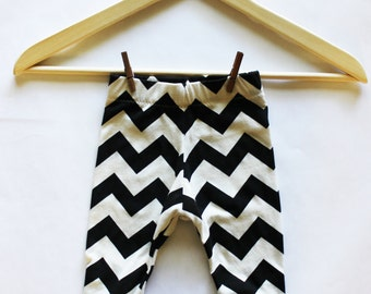 Baby Leggings Black & White Chevron Stripes - Made to Order