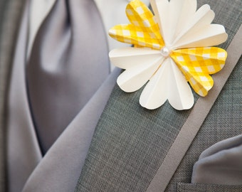 Daisy Boutonniere - Paper Flower - Made to Order - Bulk Discount