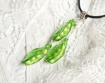 Peas lampwork pendant, peas necklace, fresh green necklace, chartreuse necklace, chartreuse pendant, nature necklace, fruit necklace