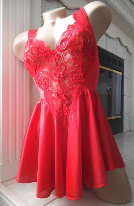 Vintage Red Olga Nylon Nightgown Negligee Short Skirt Lace