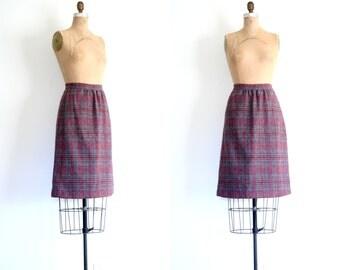 1970s wool tweed pencil skirt - muted plaid / Wine & Gray - vintage 70s / Geek Chic - preppy