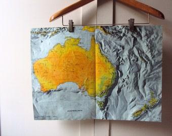 Fabulous VINTAGE Map of AUSTRALIA. Vintage home / vintage decor.