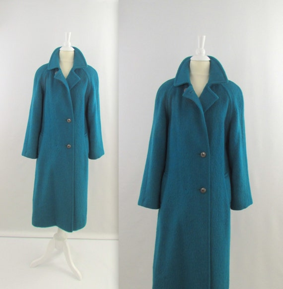 On Reserve Vintage 1970s Womens Mohair Winter Coat in by