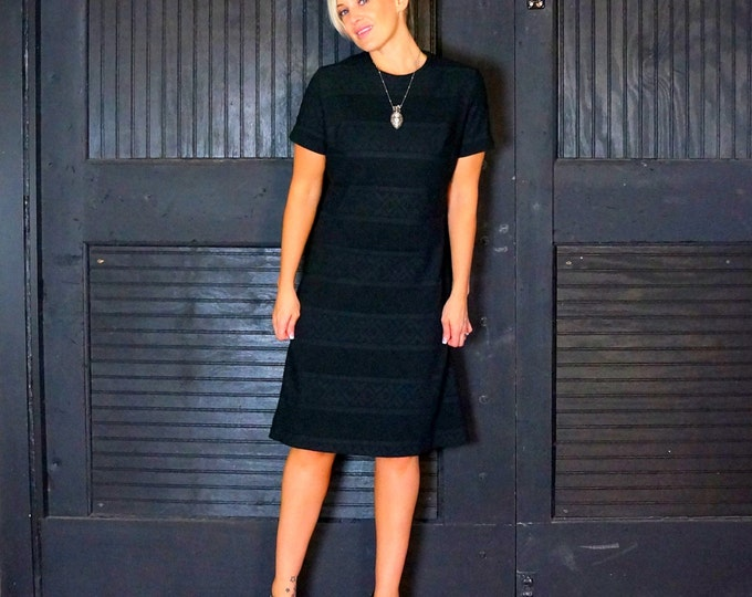 CLEARANCE SALE Little Black Dress Medium 1960s Vintage Texture Print A-Line Shift Dress Short Sleeve Classic Retro Dress Cute & Modest LBD