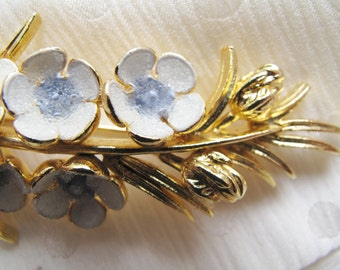 Clearance - Reduced - Going Going Gone! – Vintage Wildflower Costume Brooch, Retro Wildflower Pin