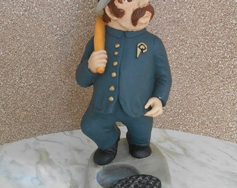 Vintage Detective Statue - Pinkertons