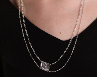 Small baroque leaf necklace made of aluminum. Double chain. Recycled. Eco-friendly