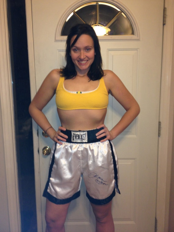 Women In Sexy Boxing Trunks 42