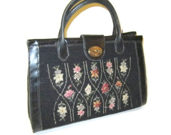 Vintage handbag, Needlework purse, Floral Design. 1960s bag Oversized