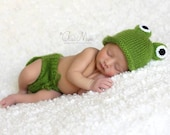 Newborn photo prop, frog newborn/ baby diaper cover and hat, photography props, newborn knit set, newborn boy, newborn girl, newborn set