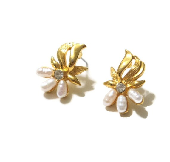 Vintage Pearl Earrings Wedding Earrings Delicate Post Earrings Post Small Dainty Wedding Jewelry Signed DS