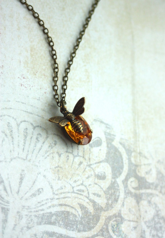 A Honey Bee Necklace. Vintage Golden Topaz Yellow Rhinestone Glass Jewel Tiny Bee Flying Necklace. Bee Lover. Bee Jewelry