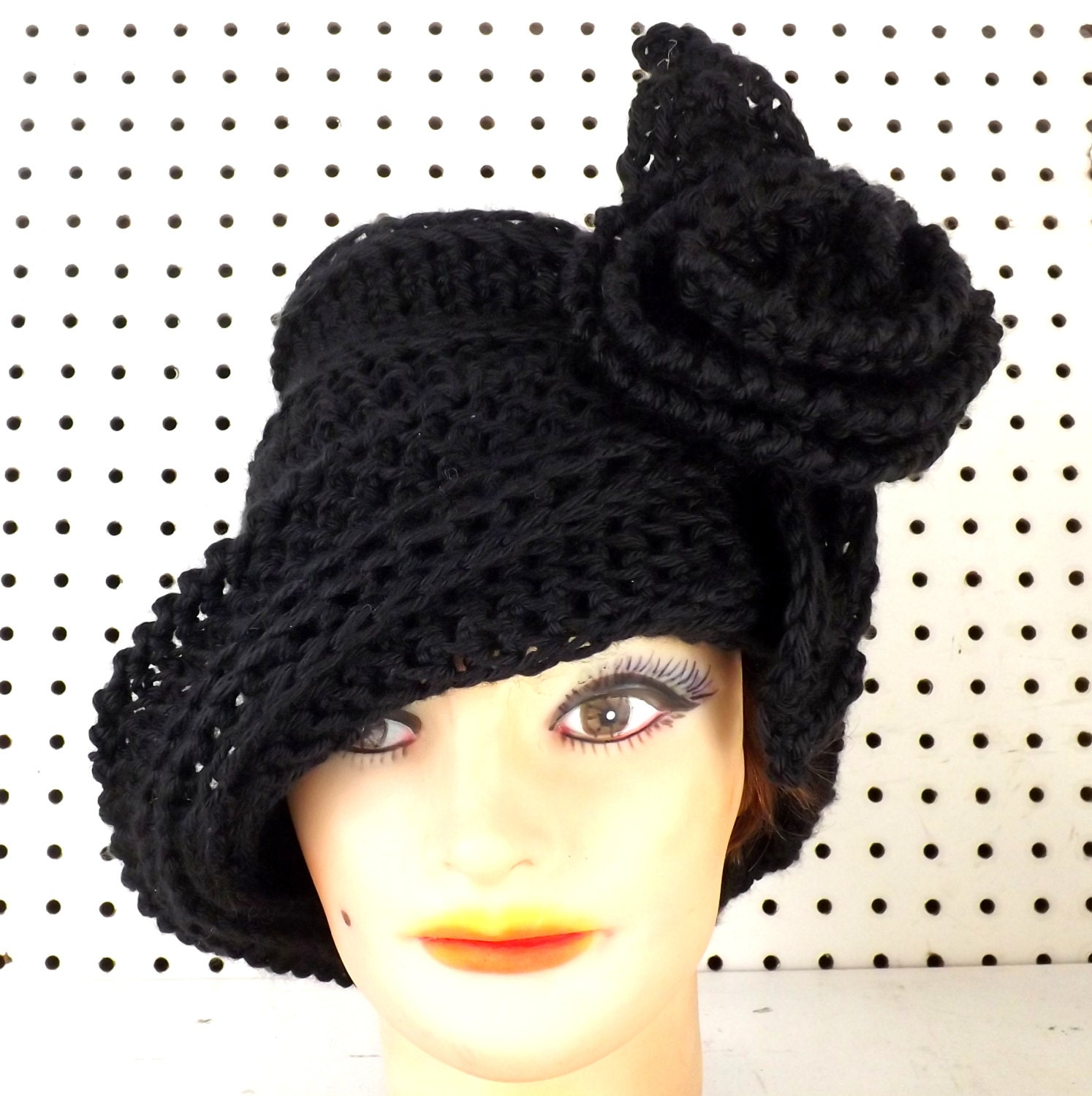 Black Crochet Hat Womens Hat Crochet Cloche by strawberrycouture