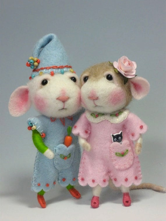 Needle Felted Animal Tutorial / Felting / Craft Supplies and Tools / Needle Felted Pattern / Needle Felting Mouse & Bunny / Wool Roving