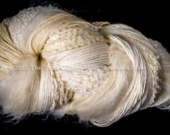 Cat Mountain Fiber Arts Fusion Yarn - Natrural Ecru 750 Yard Worsted Natural Fibers, Free Pattern