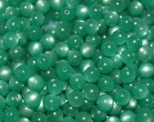 Vintage Lucite Green Round Moonglow Beads 24