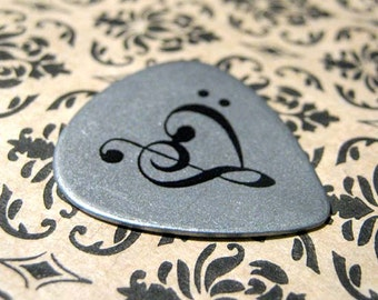 Stainless Steel Music Heart Guitar Pick