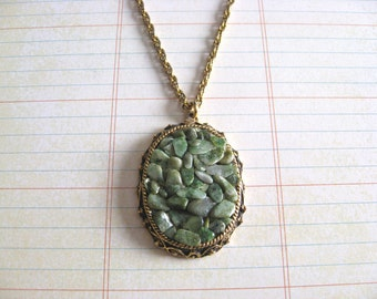 "Lovely Gold Tone Necklace with Green Stone Chip Pendant - 20"" gold tone chain with large pendant"