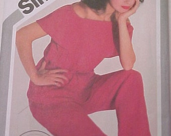 Style and Comfort in Easy Peasy Simplicity Pattern 5103