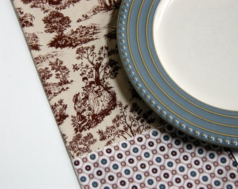Abbeville Toile Cloth Napkins / French table linens / French country napkins / brown French toile napkins / brown and cream neutral napkins