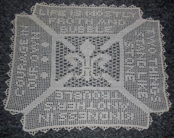 Crochet Pattern-Fleur de Lis Doily