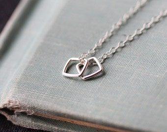 conmigo - silver geometric necklace by elephantine