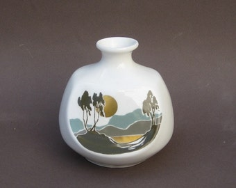 Modern Vase Castlewynd Studios Scotland Highland Fine Bone China