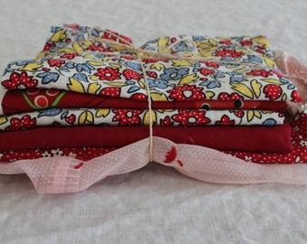 Scrap Fabric Bundle - Red - (SB09)- Fabric Scraps / Vintage Scraps / Destash / Fabric Destash / Linen Scraps / Vintage Destash