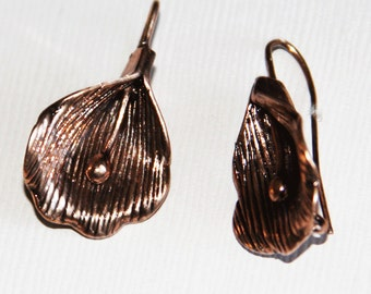 4 pcs of Antiqued copper earwire with flower 29x15mm