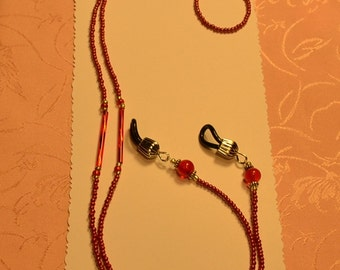 Faded Red Seed Beads,Vintage Marble Glass Bead EyeGlasses Holder