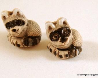 SALE - 2 Raccoon Beads Animal Beads Ceramic Hand Painted Glazed 15x14mm - 2 pc - 6165