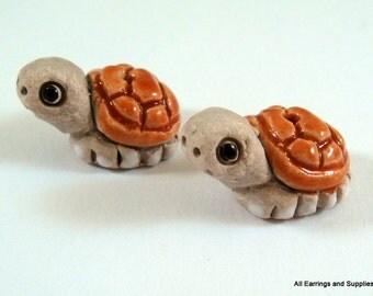 SALE - 2 Lt Brown Turtles Animal Bead Ceramic Hand Painted Glazed 20x13mm - 2 pc - 6187