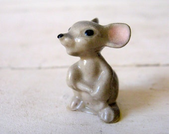 Hagen-Renaker Miniature Animal Mama Mouse Figure