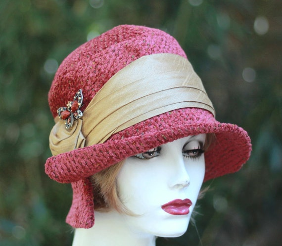 """Women""""s Hat 1920's Cloche Vintage Style Gatsby Fall Winter Red and Gold"""