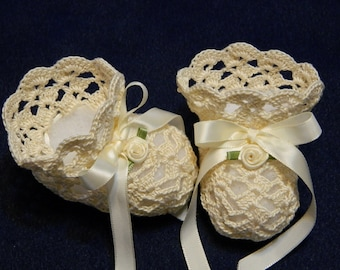 Crochet Ecru Off Set Shells Lace Ribbons Christening Booties Newborn Baby 0-3 Months