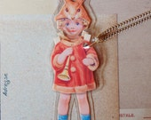 BaBy BuNTinG PaPeR DoLL LaMiNaTeD NeCkLaCe