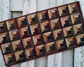 Quilted Log Cabin Table Runner (EDTR25)