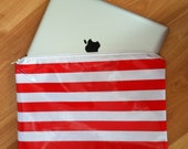 Beth's Striped Oilcloth IPAD Cover/Case Water Resistant with Zipper Closure