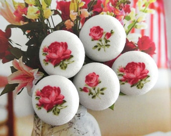 Handmade Rustic Country Small Red White Rose Floral Flowers Fabric Covered Button, Red White Rose Floral Flower Fridge Magnets, 1 Inch 5's